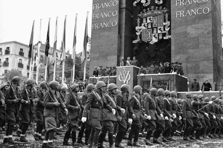 Desfile de la Victoria Sevilla 1939-web