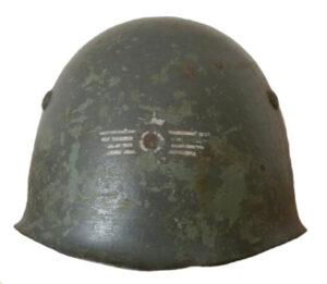 Casco M33 utilizado por las fuerzas militares italianas