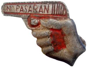 Insignia republicana con el lema No Pasarán
